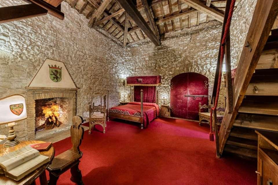 Alloggio del Capitano, una delle suite dell' Hotel Castello Orsini di Nerola