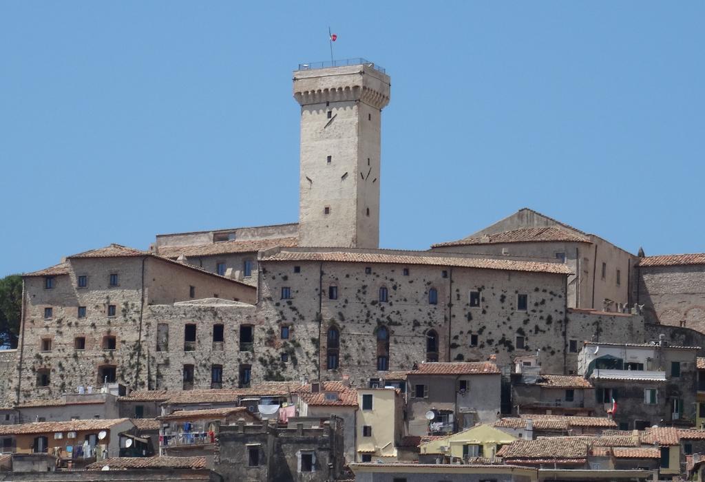 Castello Savelli Torlonia a Palombara Sabina (RM)