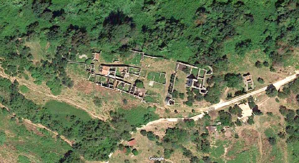 Foto aerea delle rovine di Stazzano vecchio