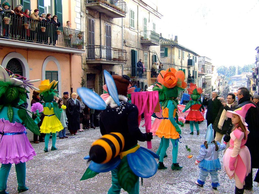 Sfilata in maschera del Carnevale di Ronciglione in Provincia di Viterbo