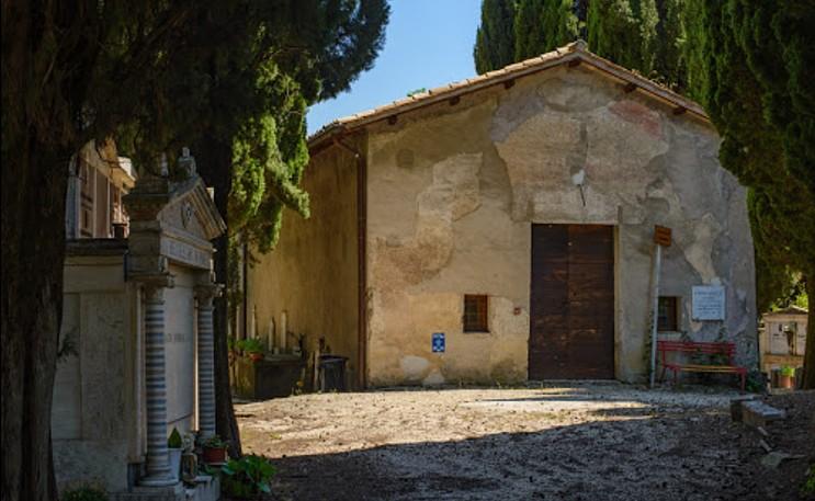 Affile, non è solo la patria del vino Cesanese, ma anche ricca di testimonianze storico-artistiche di rilievo. Nell'immagine la chiesa di San Pietro, fondata nel VI secolo d.C.