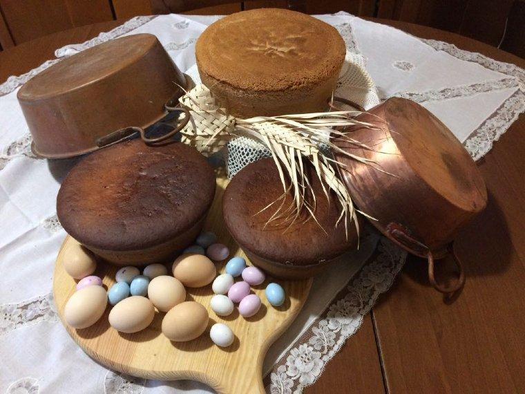 La Pizza di Pasqua o pizza cresciuta è uno dei principali protagonisti della colazione di Pasqua romana.