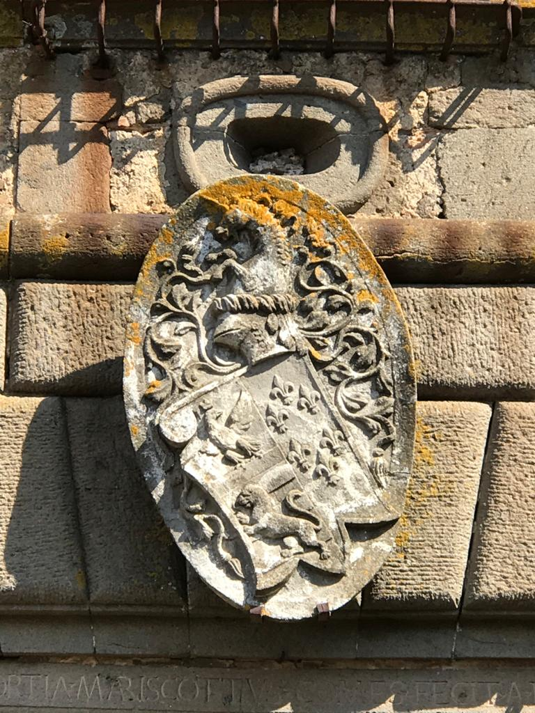 Castello Ruspoli - Stemma