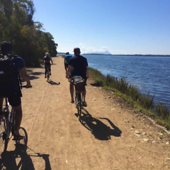 Lago di Fogliano - percorso in bici - foto credits: Sentiero.eu
