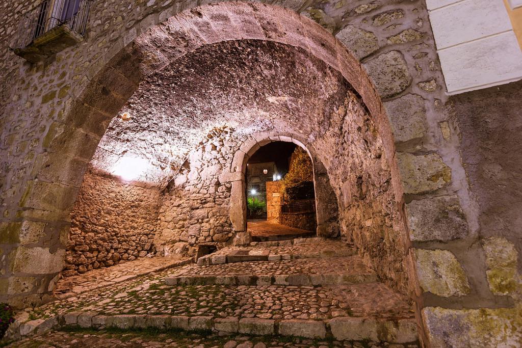 Pico - Castello Farnese - credits: Italy for Movies