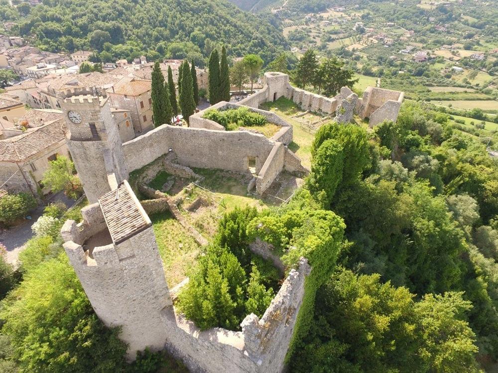 Pico e il Castello Farnese - Vista dall'alto - credits: Borghi più belli d'Italia
