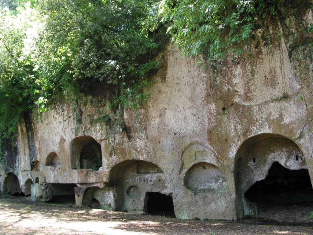 Sutri - Necropoli Etrusche