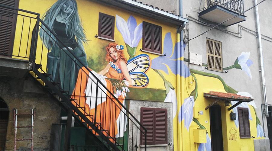 Sant'Angelo di Roccalvecce - dettaglio di un murales